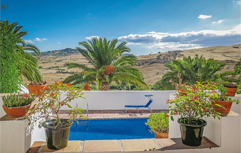 Stunning home in Pizarra with WiFi and 1 Bedrooms (EAC160), casa vacanza a Pizarra