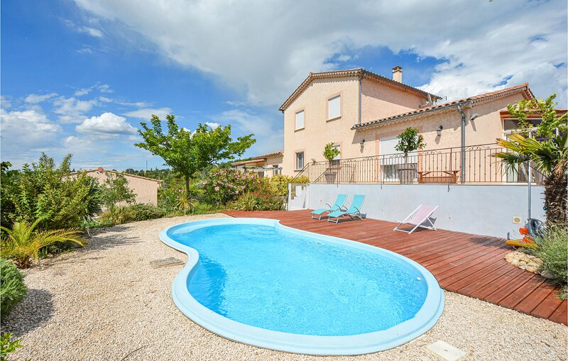 Stunning home in Barjac with WiFi and 1 Bedrooms (FLG434), holiday rental in Vagnas