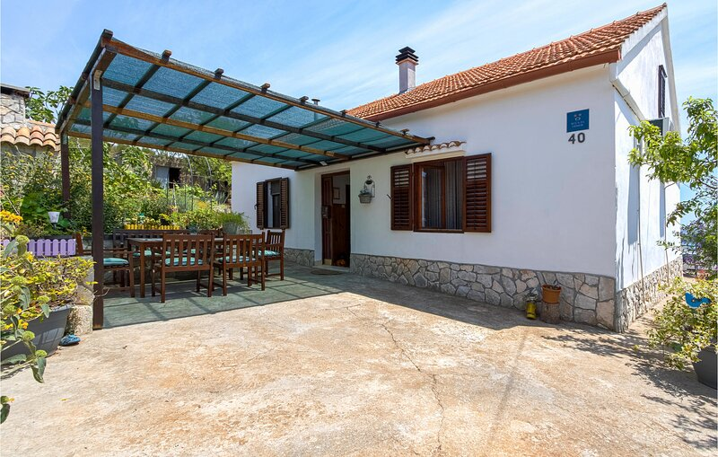 Stunning home in Zaglav with 2 Bedrooms (CDU347), holiday rental in Luka