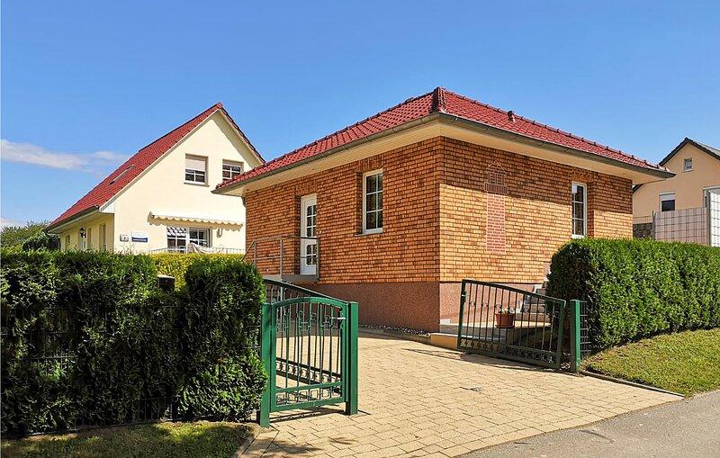 Beautiful home in Bastorf with 2 Bedrooms (DMK151), location de vacances à Wendelstorf
