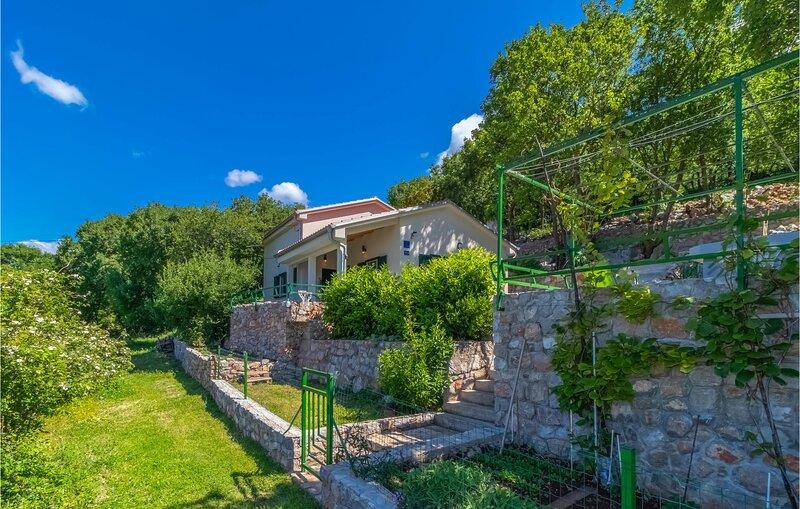 Stunning home in Klenovica with 3 Bedrooms (CKN596), holiday rental in Klenovica
