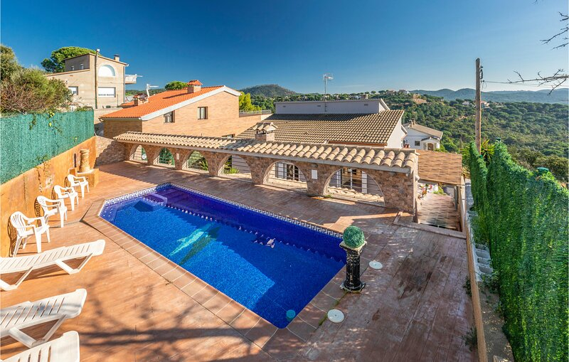 VILLA FLOR (EBN117), holiday rental in Tordera