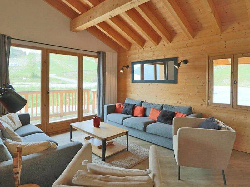 Chalet moderne à louer pour des vacances en famille et/ou entre amis, holiday rental in La Rosiere