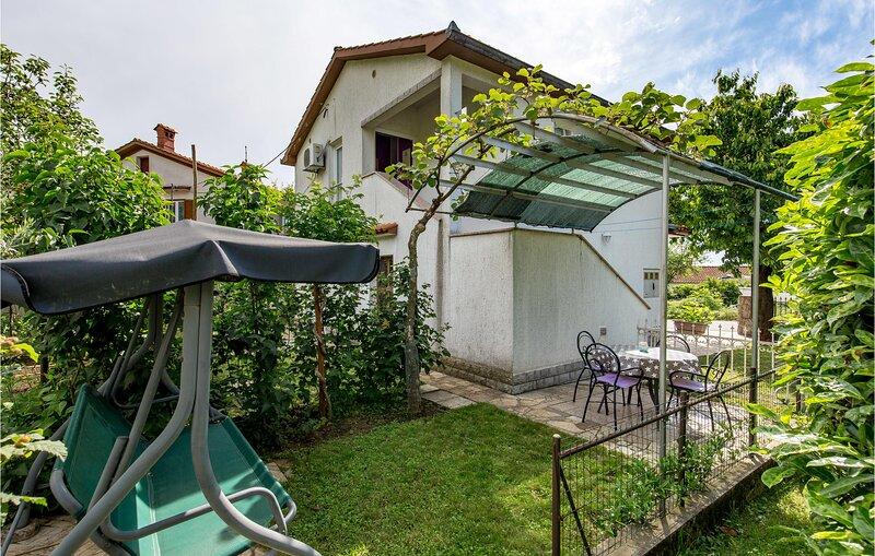 Amazing home in Rukavac with WiFi and 2 Bedrooms (CKO275), location de vacances à Matulji