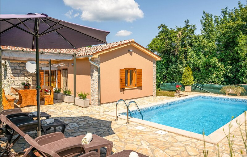Nice home in Labin with WiFi and 1 Bedrooms (CIK671), holiday rental in Sveti Bartol