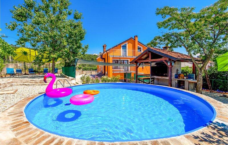 Nice apartment in Viskovo with 5 Bedrooms (CKO065), holiday rental in Viskovo