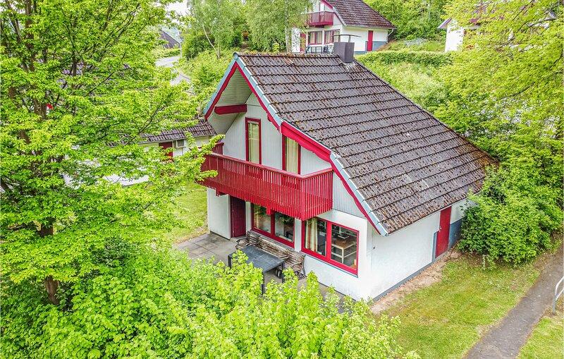 Beautiful home in Kirchheim with 3 Bedrooms (DHE172), aluguéis de temporada em Tann