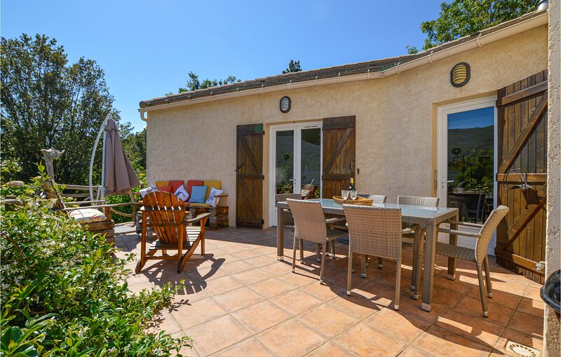 Amazing home in Sisco with WiFi and 4 Bedrooms (FKO336), holiday rental in Pietracorbara