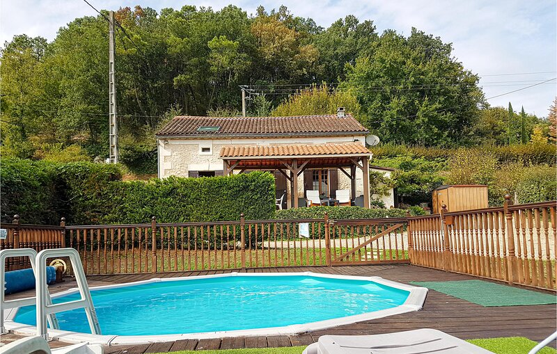 Amazing home in Douzillac with 4 Bedrooms (FAD762), holiday rental in Douzillac