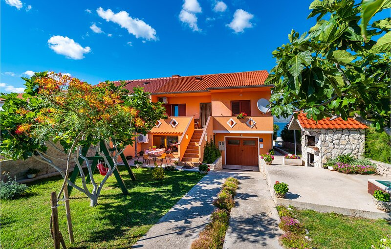 Stunning home in Razanac with WiFi and 2 Bedrooms (CDA413), holiday rental in Razanac