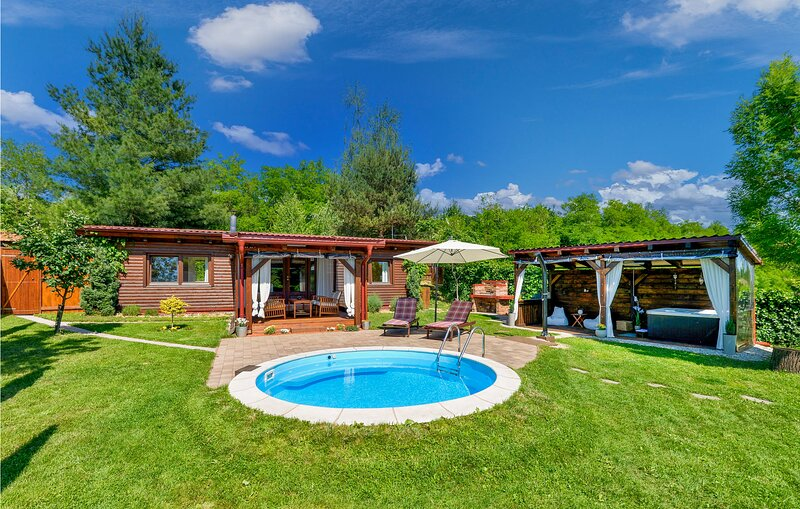 Awesome home in Lopatinec with Sauna, WiFi and 2 Bedrooms (CCC109), vacation rental in Bazakerettye
