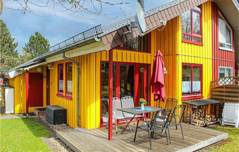 Nice home in Extertal with Sauna and 3 Bedrooms (DWE129), Ferienwohnung in Bad Eilsen