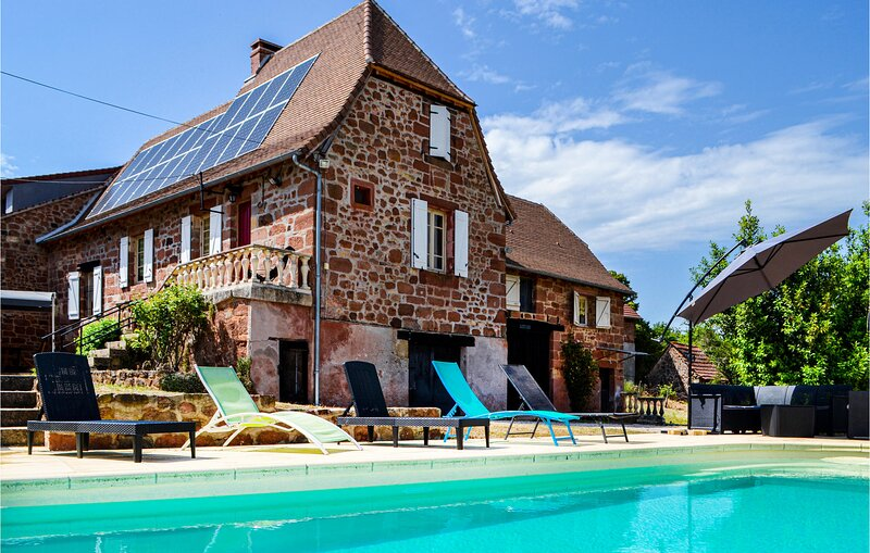 Awesome home in Badefols D'Ans with 4 Bedrooms and WiFi (FAD122), vacation rental in Sainte-Trie