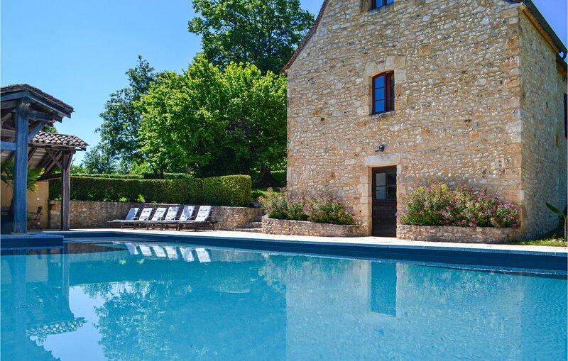 Amazing home in Fleurac with 3 Bedrooms (FAD073), alquiler vacacional en Peyzac-le-Moustier