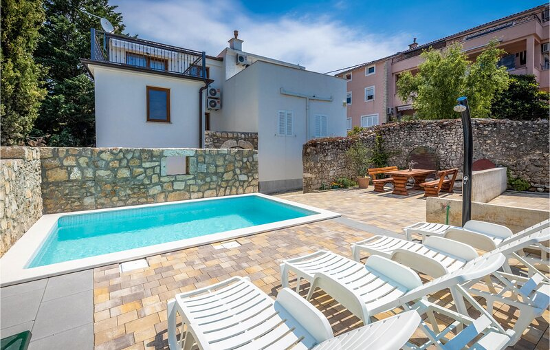 Stunning home in Selce with WiFi and 2 Bedrooms (CKC057), aluguéis de temporada em Selce