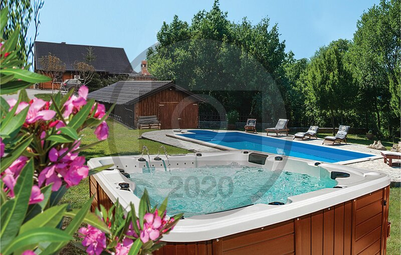 Amazing home in Bukovec with Jacuzzi, Sauna and Outdoor swimming pool (CCC066), vacation rental in Bazakerettye