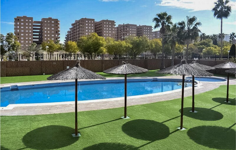 Awesome apartment in Oropesa de Mar with Outdoor swimming pool, WiFi and 2 Bedro, alquiler de vacaciones en Cabanes
