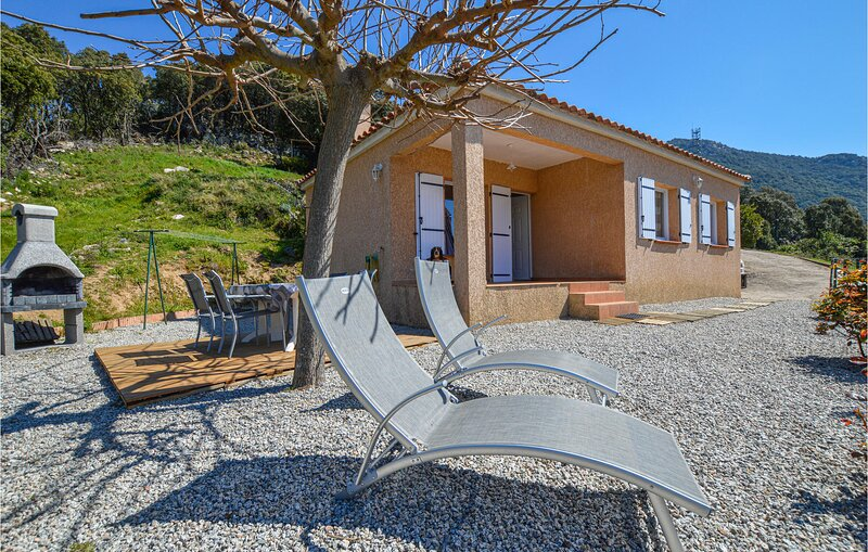 Amazing home in Casalabriva with WiFi and 2 Bedrooms (FKO229), vacation rental in Serra-di-Scopamene