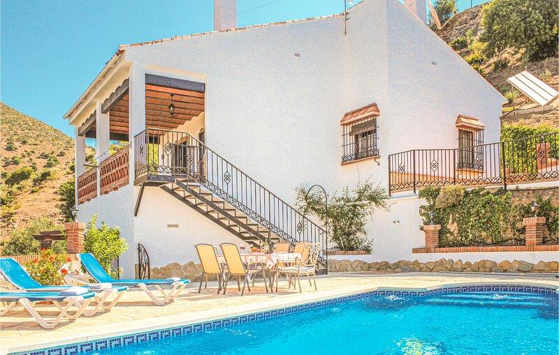 Nice home in Alora-El Chorro with 3 Bedrooms (EAC062), holiday rental in Teba