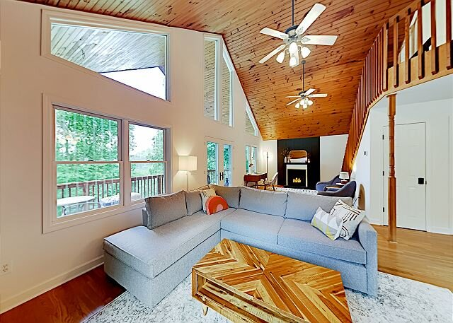 Private Mountain Hideaway | Wooded 1.68-Acre Lot | Open Layout & Large Deck, holiday rental in Clyde