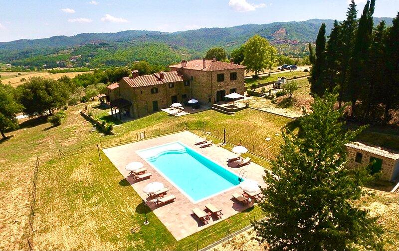 Agriturismo I Poggilunghi Farmstay Apartments, holiday rental in Civitella in Val di Chiana
