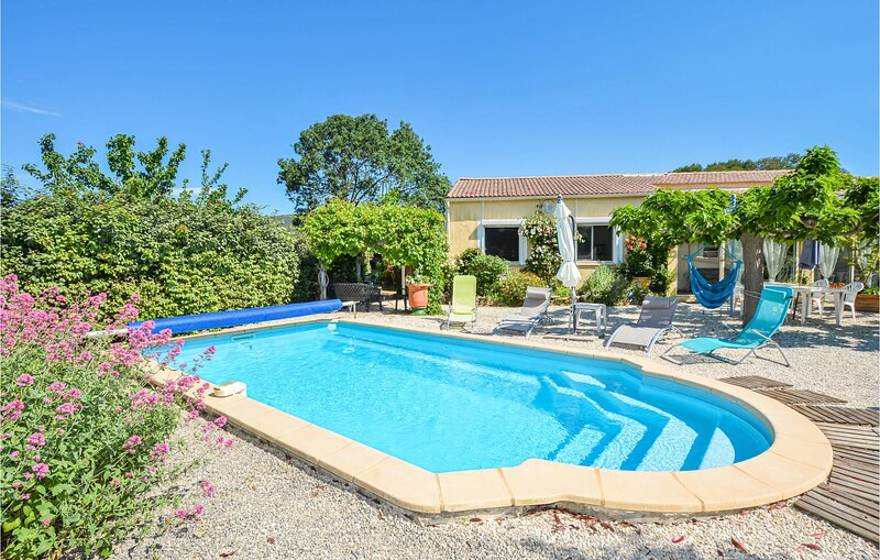 Amazing home in Bagard with Outdoor swimming pool, WiFi and Outdoor swimming poo, holiday rental in Generargues