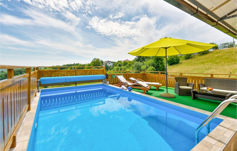 Awesome home in Vrhovac with WiFi and 1 Bedrooms (CCC029), location de vacances à Metlika