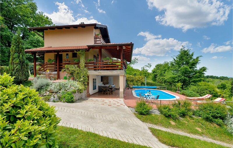 Beautiful home in Petrinja w/ Sauna, WiFi and 2 Bedrooms (CCC111), casa vacanza a Sisak-Moslavina County
