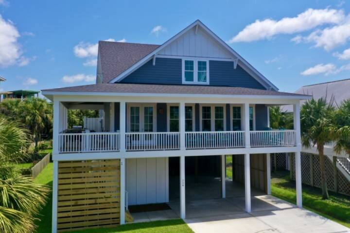 15% Fall Discount! New Single Family Home, Large Deck - Water Views, Great locat, holiday rental in Myrtle Grove