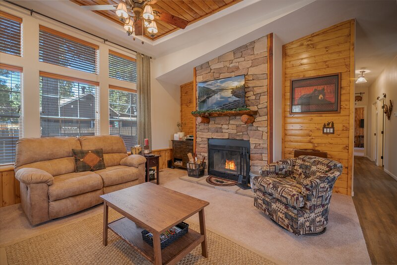 Beary Homey Chateau, vacation rental in Sugarloaf