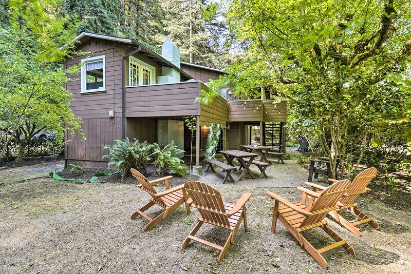 NEW! 'La Rivière Russe' Between River & Redwoods!, vacation rental in Forestville