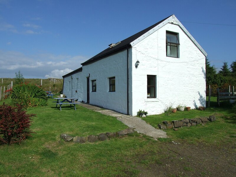 Lovely 1-Bed Cottage in Isle of Mull, holiday rental in Fionnphort