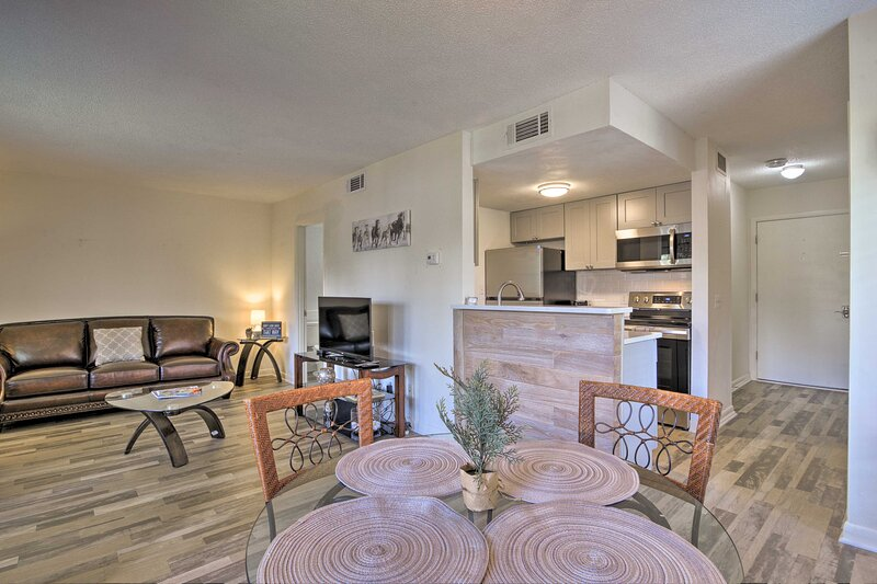Quiet Pinehurst Condo with Patio on Golf Course!, holiday rental in Pinebluff