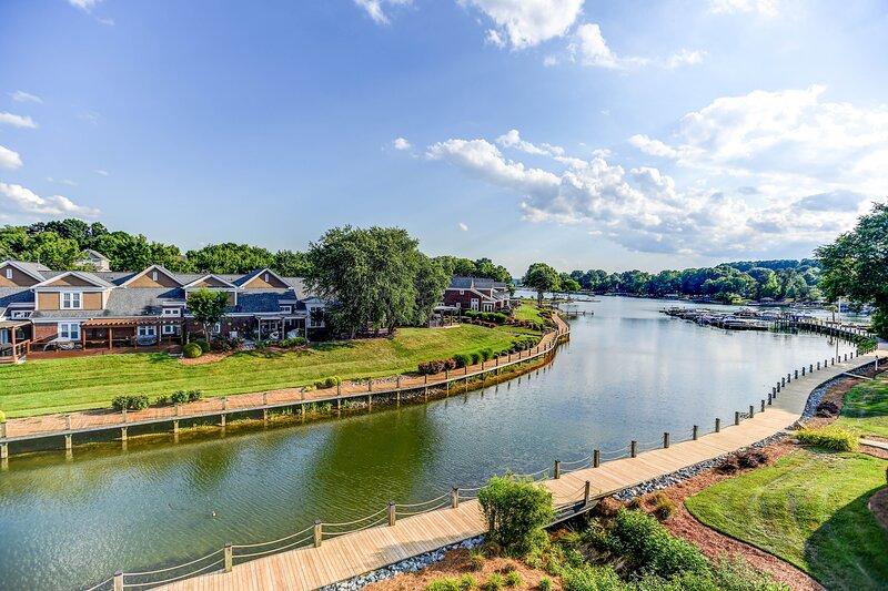 Aqua Vista, vacation rental in Davidson