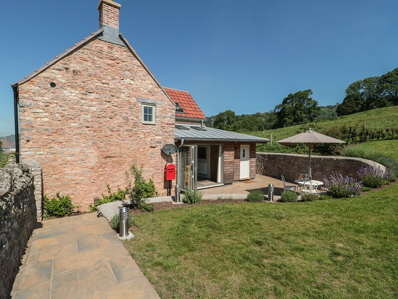 Lilac Cottage, Wells, holiday rental in Westbury-sub-Mendip