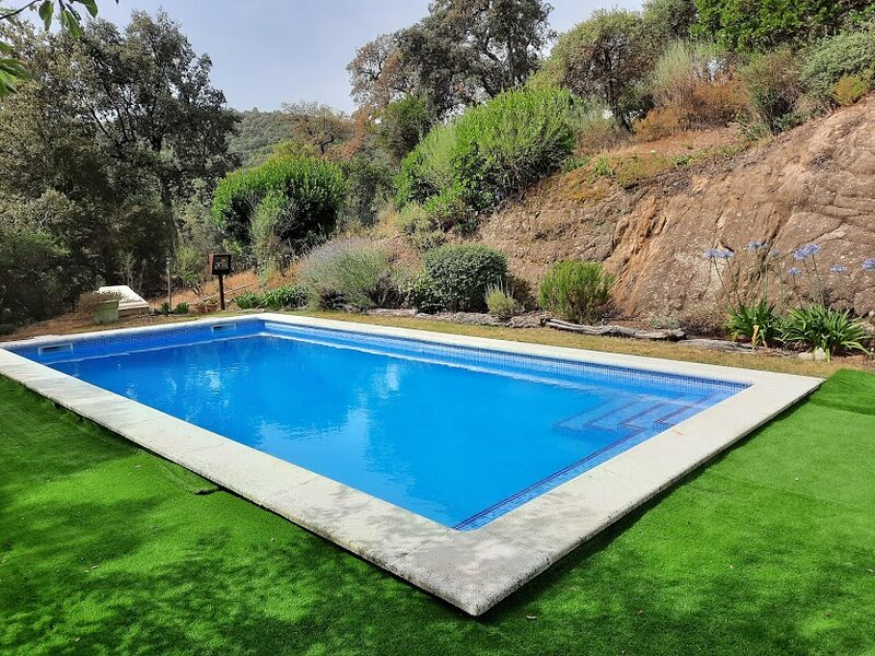 Mountain home, private pool, near the sea and golf, holiday rental in Cassa de la Selva