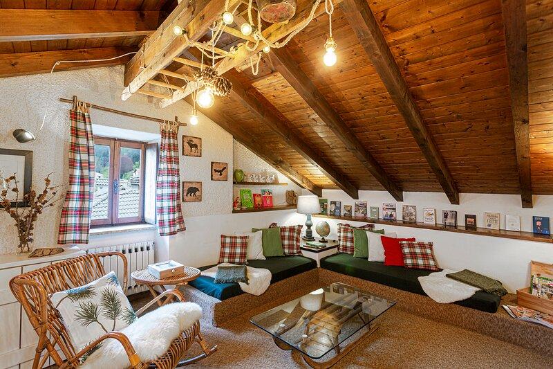 Lago Maggiore Family Sequoia Loft in Trarego, holiday rental in Lunecco