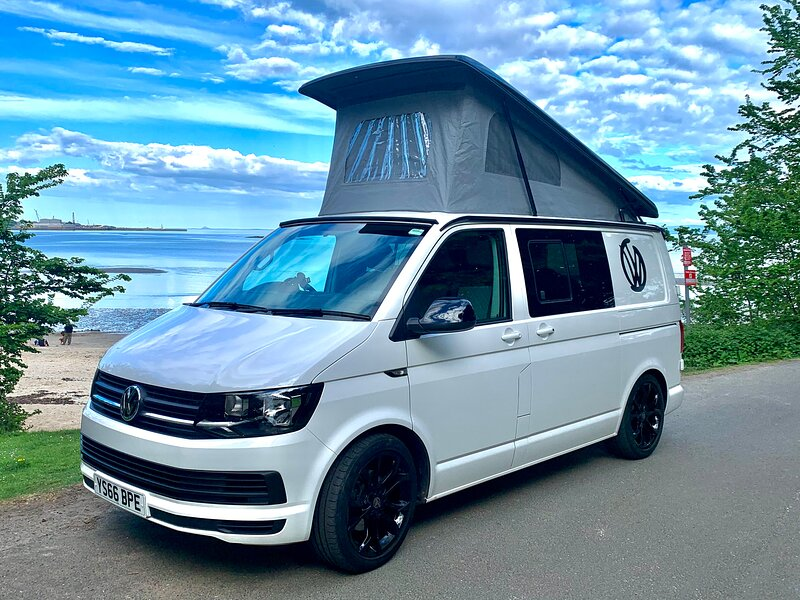 Venture Forth Campervans, location de vacances à Newton