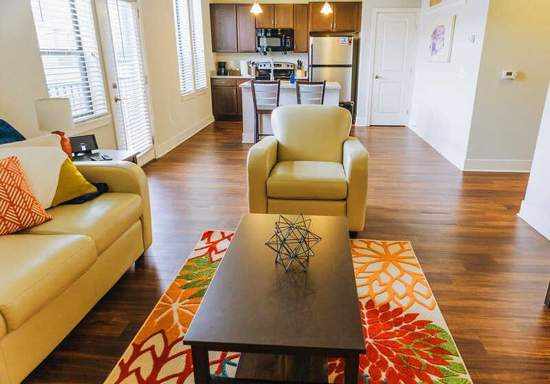 Pets/Pool/Gym/Parking ^ Downtown ^ CityWay 10, holiday rental in Indianapolis