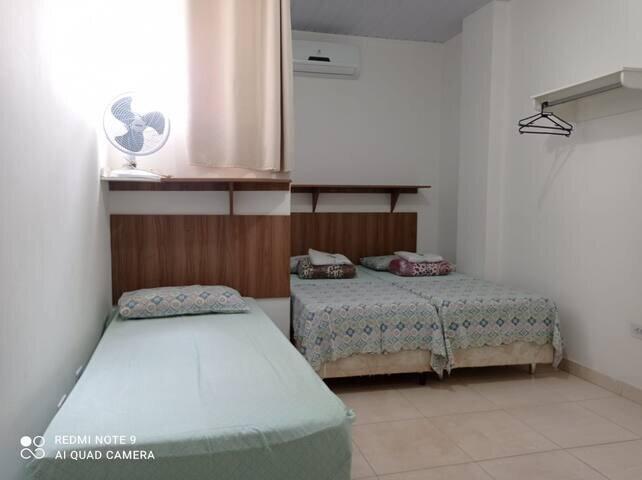 Apartamento completo e confortável, alquiler de vacaciones en Trindade