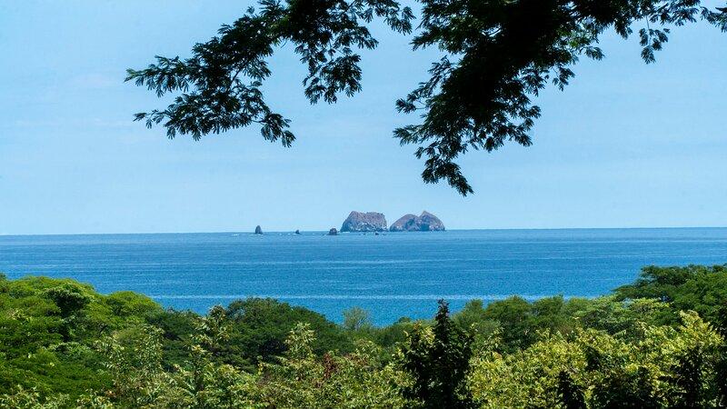 Ocean View Luxury Apartment at Reserva Conchal A5, holiday rental in La Garita Nueva