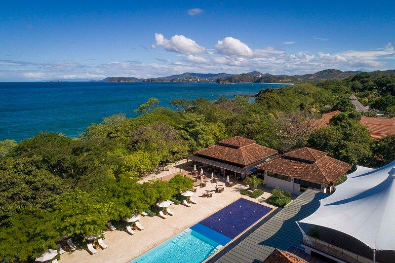 A25 Luxury Condo Golf and Parcial Ocean view at Reserva Conchal, holiday rental in La Garita Nueva