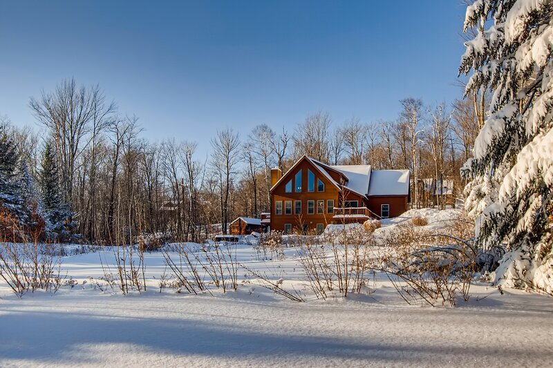 Cortina Mountain Chalet, holiday rental in Mendon