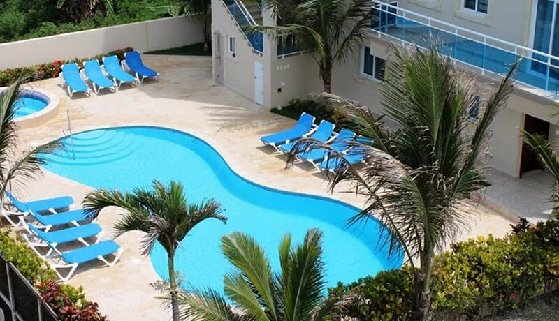 2-floor condo with balcony and sea views in oceanfront residence, holiday rental in Gaspar Hernandez