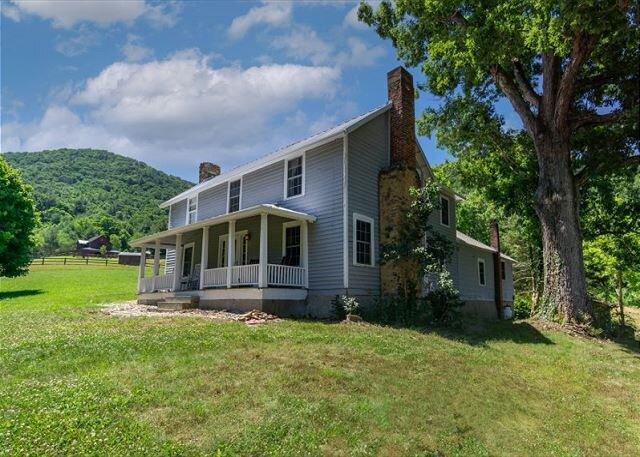 Natural Remedy | Private Location, Gas Grill, Patio & Sweeping Mountain Views, alquiler de vacaciones en Asheville