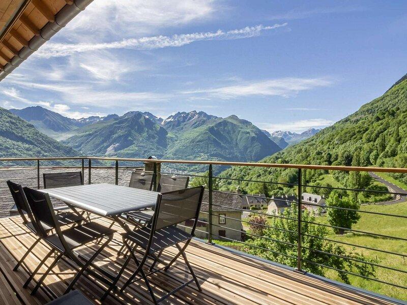 Maison neuve 12 personnes, tout compris, avec vue imprenable, holiday rental in Viscos