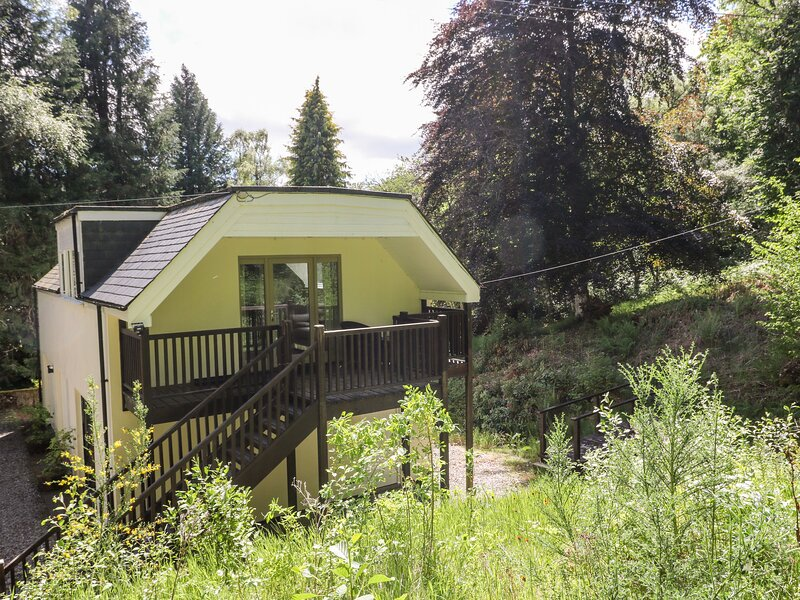 Waterfall Cottage, Cannich, holiday rental in Tomich