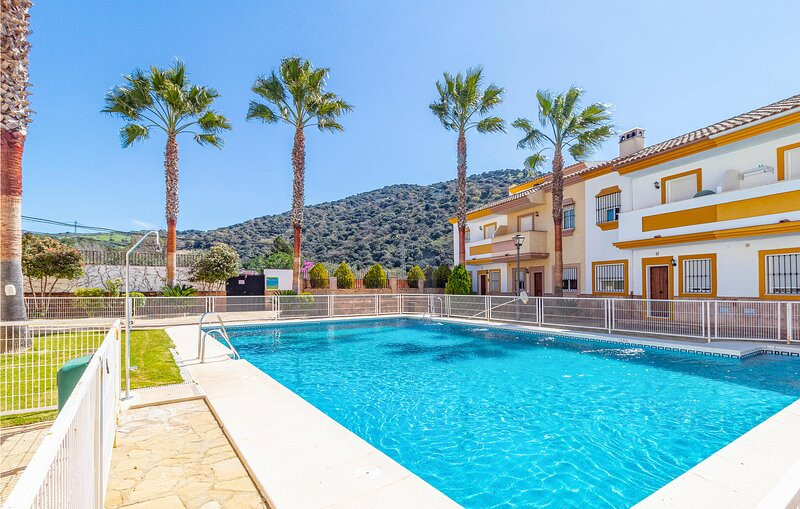 Awesome home in Málaga with Outdoor swimming pool, WiFi and 3 Bedrooms (EAC545), holiday rental in Benaojan