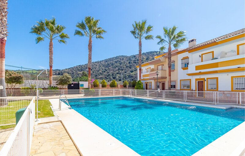Nice home in Benaoján with Outdoor swimming pool, WiFi and 3 Bedrooms (EAC546), holiday rental in Benaojan