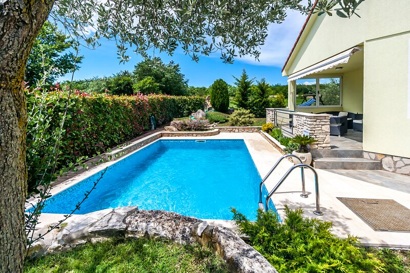 Villa Sole Istria with pool in Marcana, near Pula, holiday rental in Marcana